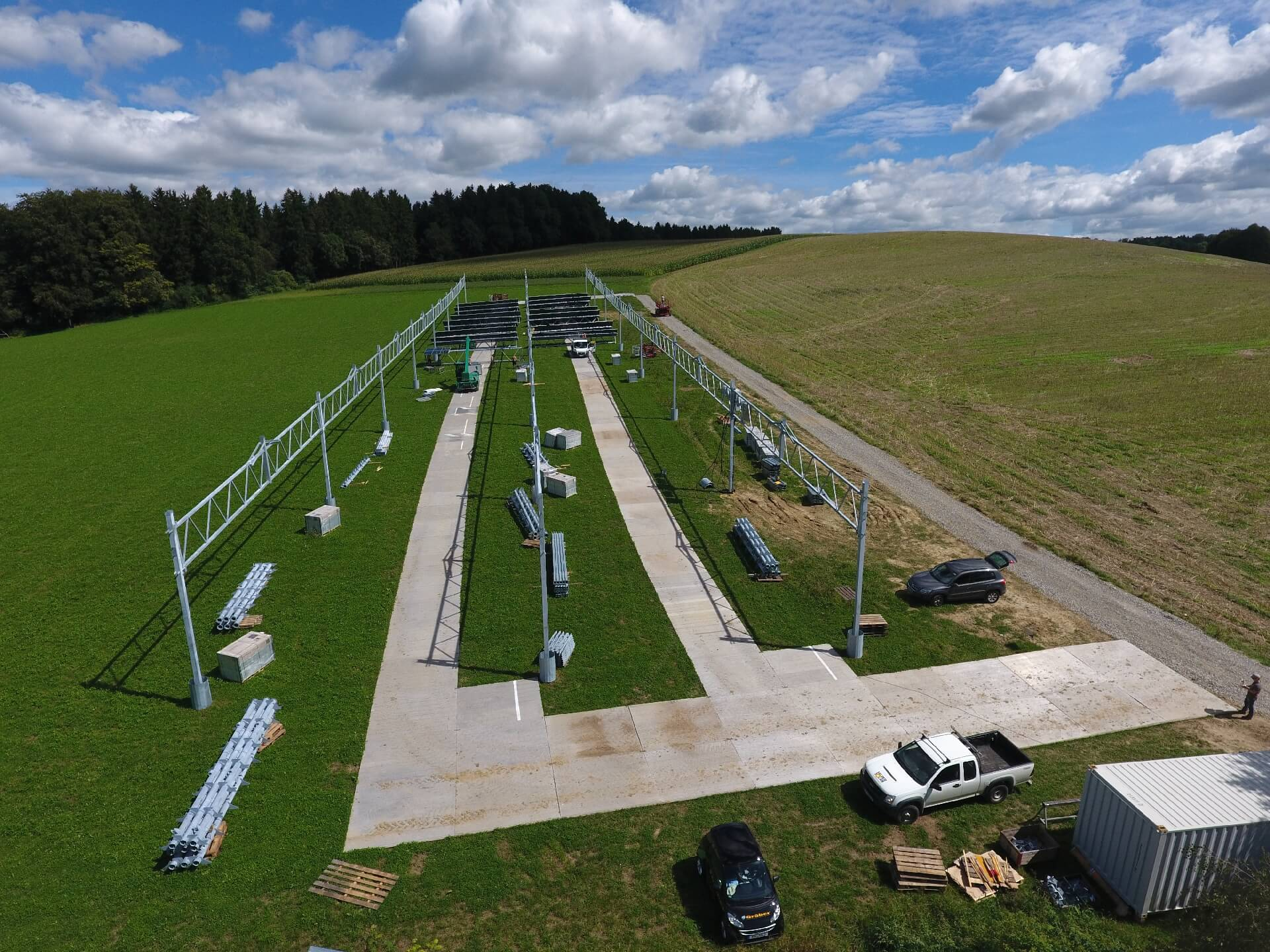 Installation of the agrophotovoltaic pilot system at Heggelbach