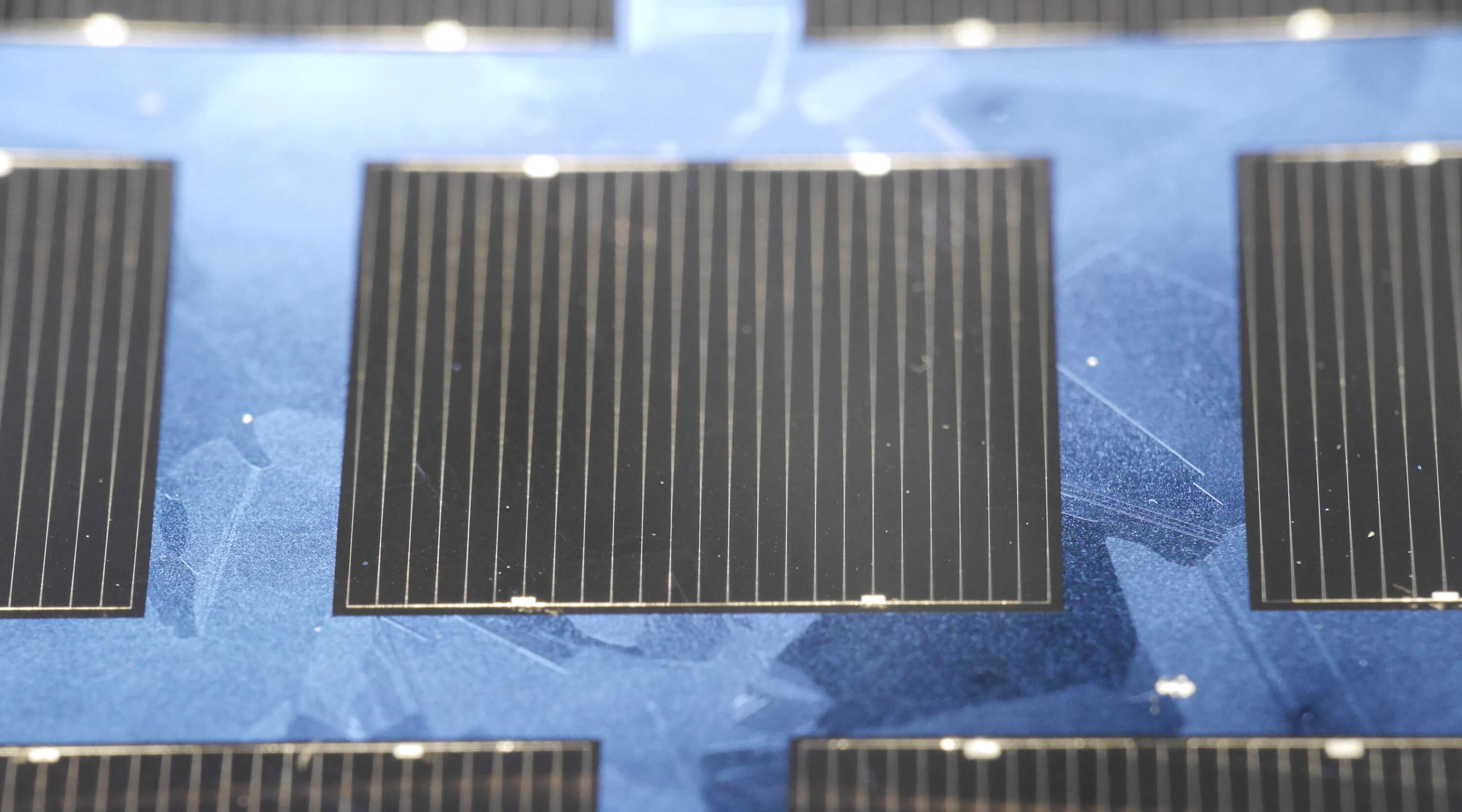 Multicrystalline Silicon Solar Cell with 21 9 Percent